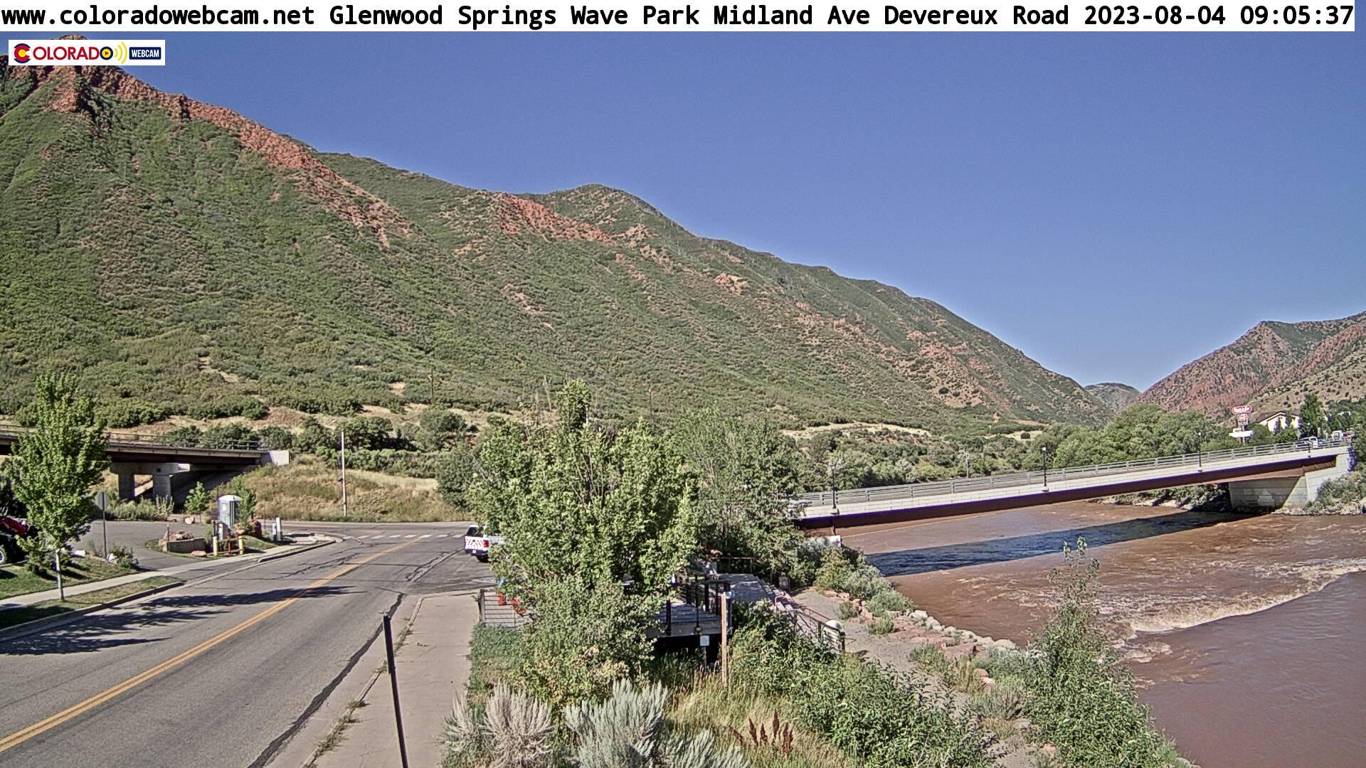 Glenwood Springs Kayak Park ZOOM